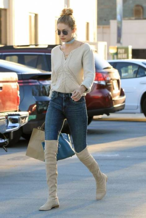 Gigi Hadid is seen  November 17, 2015 Job: 151117RZ3 Los Angeles, CA, Image: 266715622, License: Rights-managed, Restrictions: 000, Model Release: no, Credit line: Profimedia, Bauer Griffin