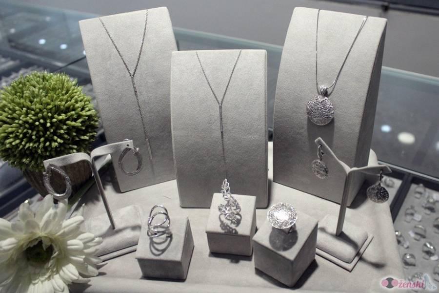 Zlatarna Taurus: Uz naš nakit svaka maturska haljina će da sija punim sjajem