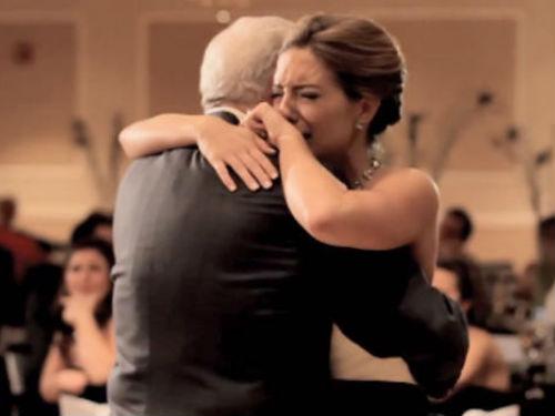 Moj otac je to jutro plakao: Prišla sam mu u vjenčanici i zagrlila ga