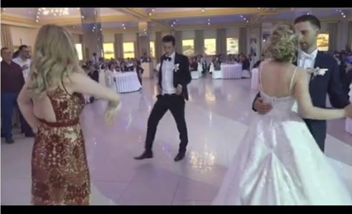 Kum ludim plesom postao glavna zvijezda svadbe (VIDEO)