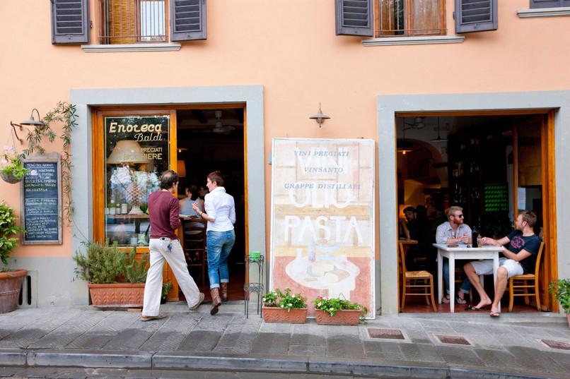 Konobar izbacio gradonačelnika iz restorana zbog bermuda
