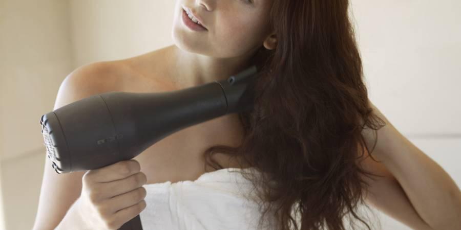 Zašto ne smijemo napolje mokre kose?