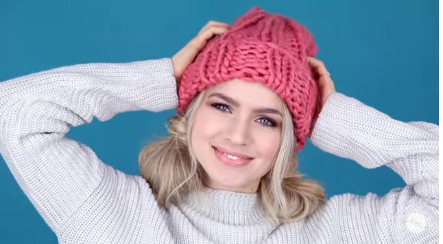 Poigrajte se sa svojom kosom: Frizure koje možete nositi ispod kape (VIDEO)