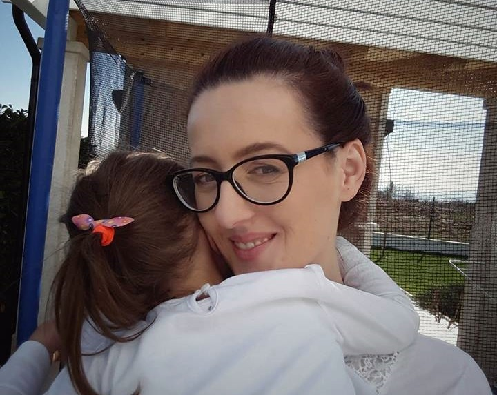 Mama svojoj djevojčici: Jača si od riječne sedre u mahovini, iako si kuštravi žgoljo