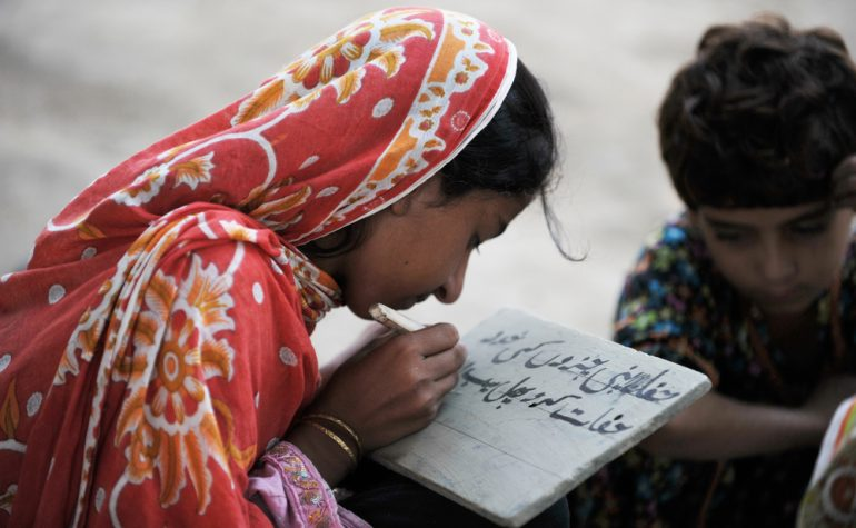 Obrazovanje djevojčica bi spriječilo više od 50 miliona dječijih brakova!