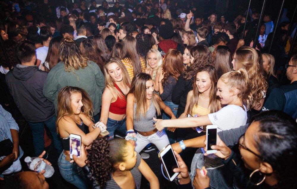 8 razloga zbog kojih večeras trebate izaći i plesati do jutra