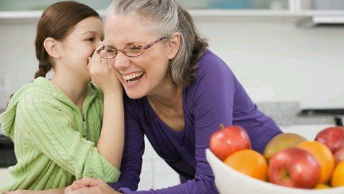 Baka po majci: Zašto nam je obilježila djetinjstvo i zašto nas više voli od očeve majke!