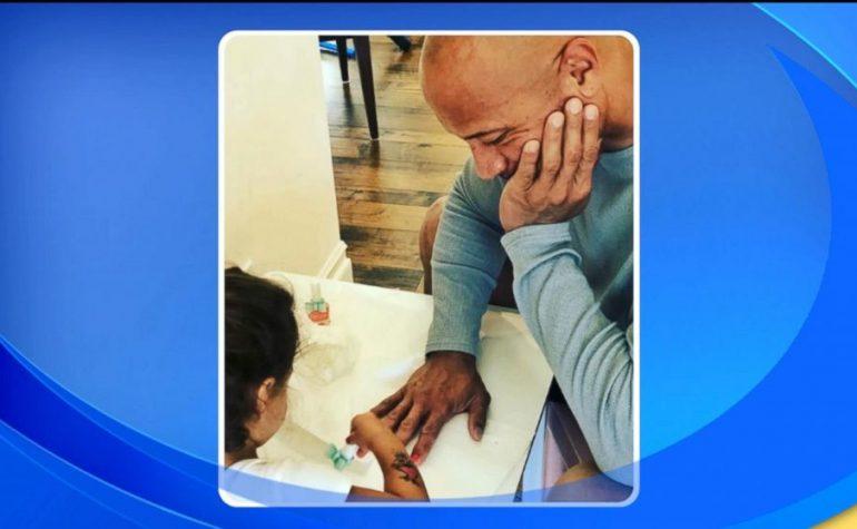 """Kad čovjek """"Stijena"""" kasni na posao da bi mu kćerka nalakirala nokte"""