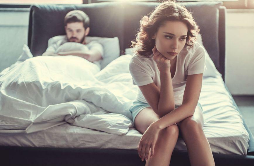 Muška navika u spavaćoj sobi koja žene nervira više od hrkanja