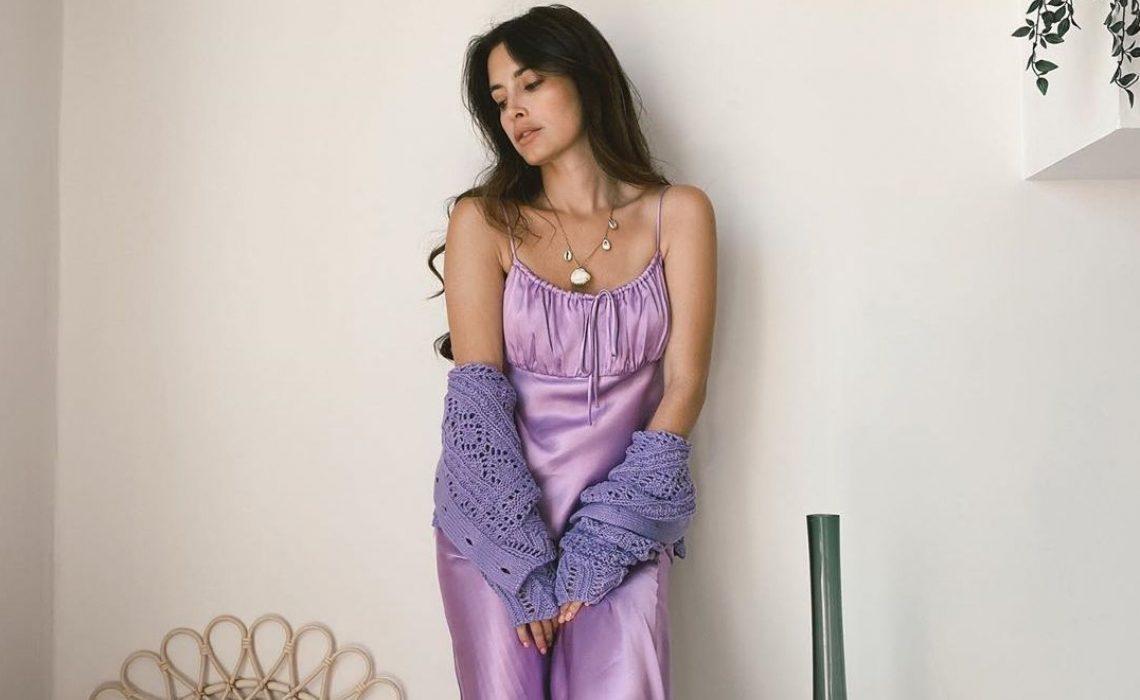 Lila midi haljina iz Zare trenutni je favorit influencerica i odličan odabir za polijeće i ljeto