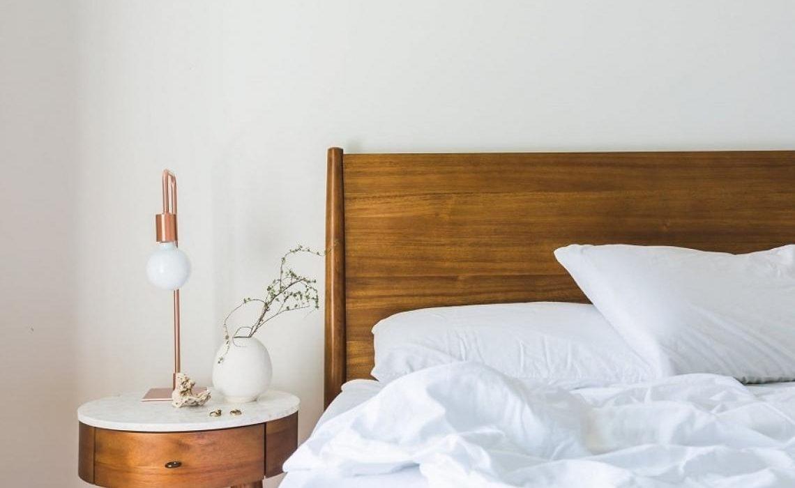 Zašto biste trebali spavati u bijeloj posteljini?