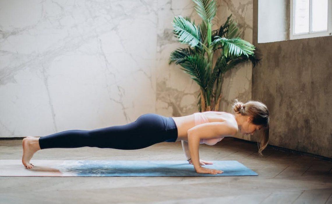Znate li što će se dogoditi s vašim tijelom ako dnevno provedete 5 minuta u plank položaju?