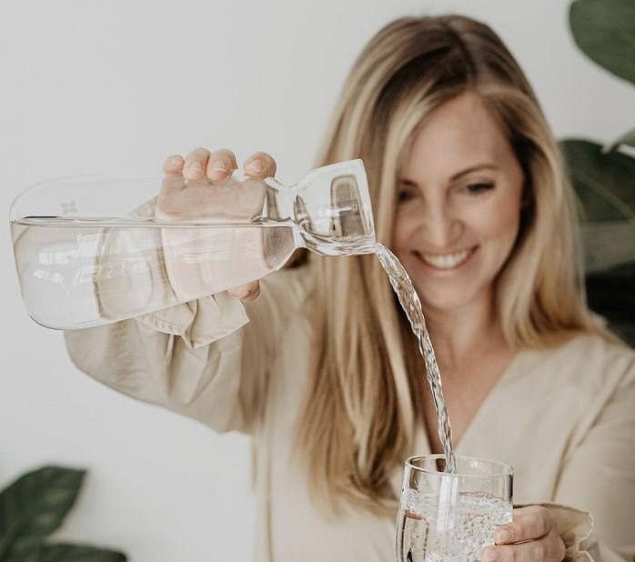 6 znakova da ne pijete dovoljno vode