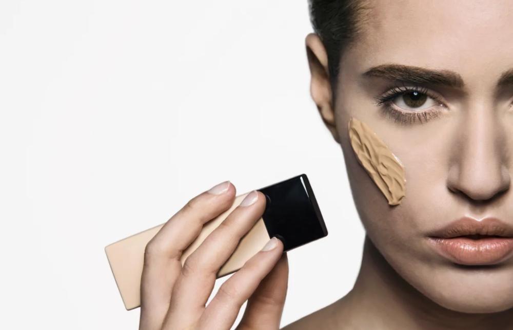 4 najprodavanija pudera u 2020. godini koji garantiraju besprijekoran izgled kože